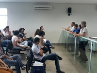 Coordenadores do Parlamento Jovem passam dicas aos alunos sobre como evitar o Jogo Baleia Azul