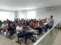 """Presidente do JP Consciente fala aos Jovens Parlamentares Pinheirenses sobre o """"Escola sem partido""""."""